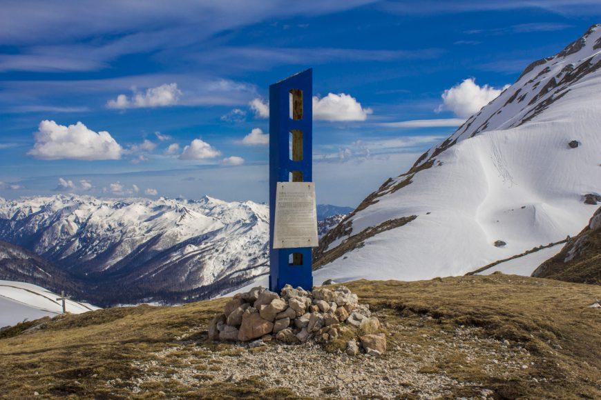 Памятник защитникам Кавказа на Фишт-Оштеновском перевале